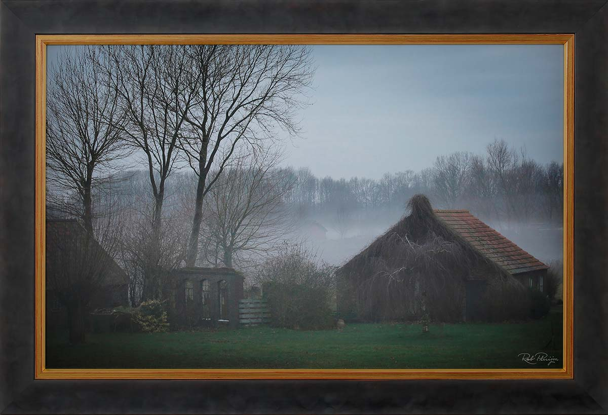 "Isidorus homestead: Fine art print 75x48cm. Including frame 88x61cm. Including ""Image-clear glass"" Edition 1 out of 10. With numbered certificate. € 475,-"