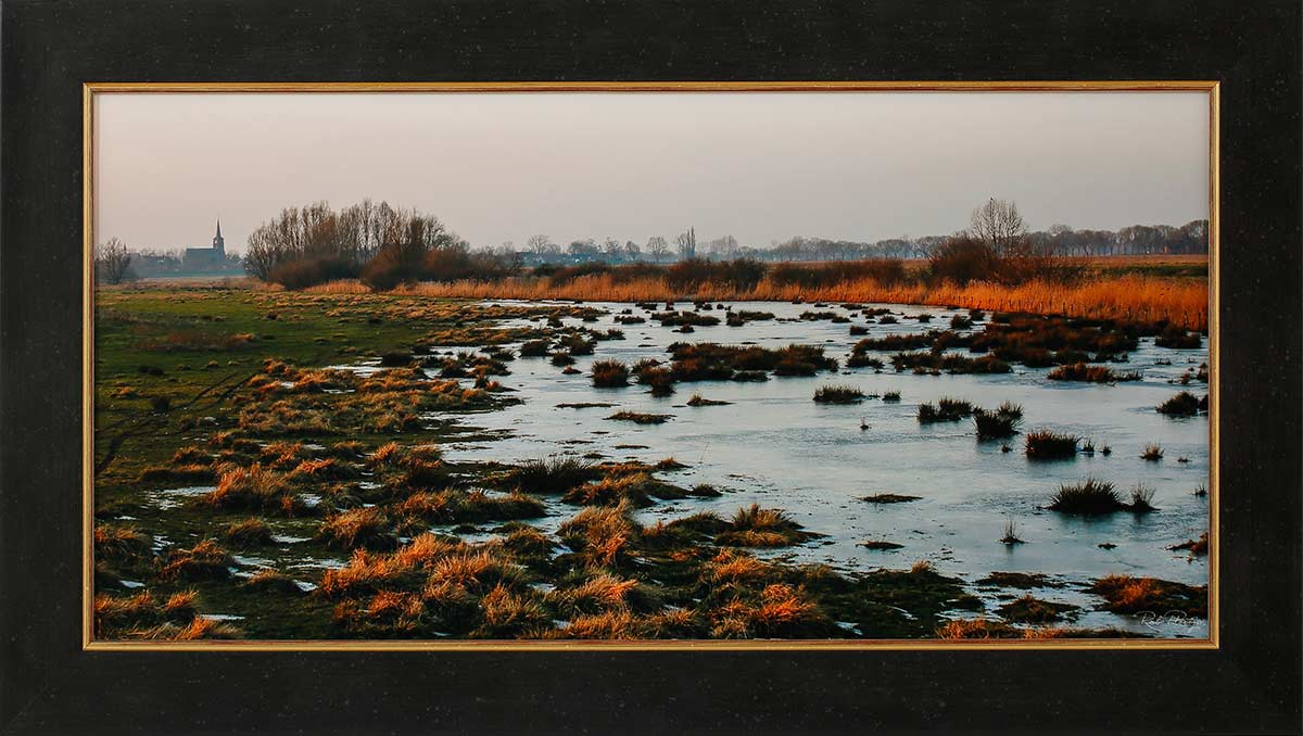 "On the way to Megen: Fine art print 60x30cm. Including frame 70x40cm. Including ""Image clear glass"" Edition 2 out of 10. With numbered certificate. € 395,-"